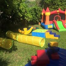 השכרת ג'ימבורי ליום הולדת בחצר
