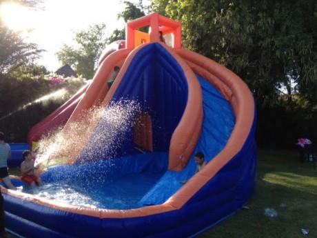 מתנפח מים ענקי להשכרה בקיץ - מגדל מים