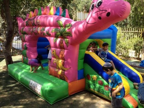 השכרת מתנפח דינוזאור - גן ילדים